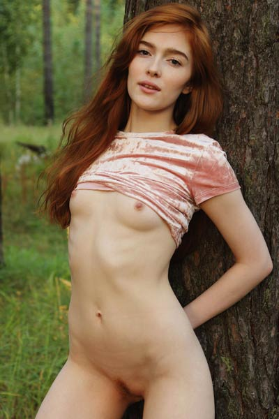 Model Jia Lissa in Morning Dew
