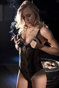 Model Aislin in Smoking Hot